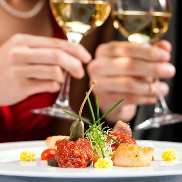 Romantico percorso di coppia con cena finale
