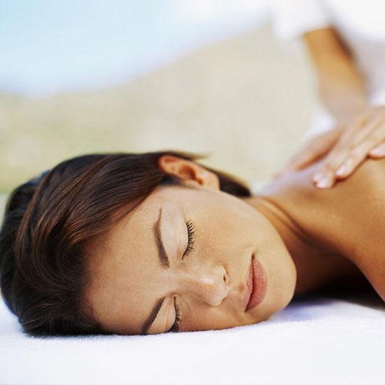 Romantico percorso di coppia: il massaggio di coppia