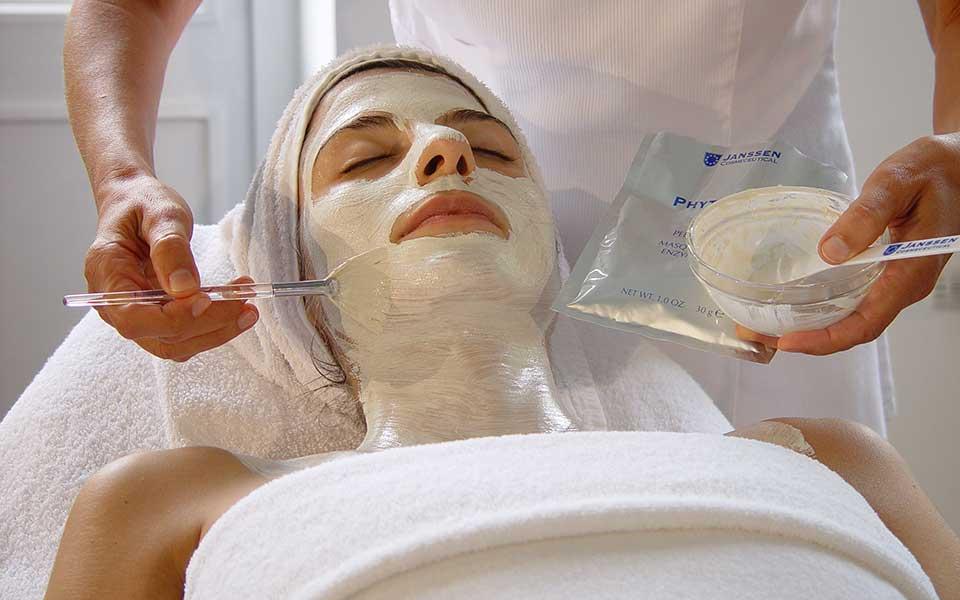 Nuova luce: trattamento viso rigenerante