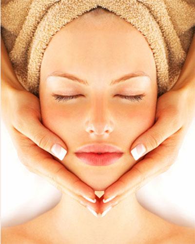 Trattamento viso massaggio localizzato